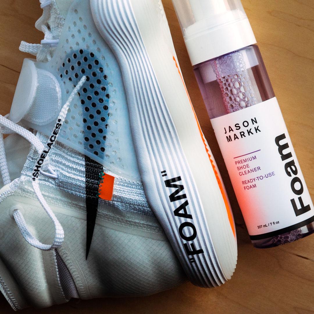 Myös klassikko Jason Markk Premium Shoe Cleaner on legendaarinen  kengänpuhdistusaine 3720ef121e