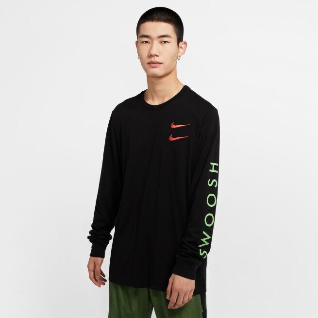 Nike Swoosh Longsleeve Tee